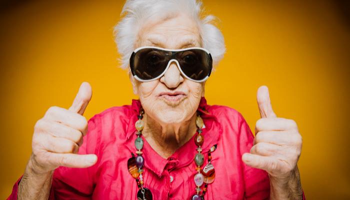 бабушка не глухая